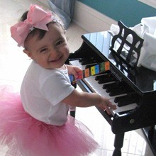 This little ballerina can play AND dance at the same time!